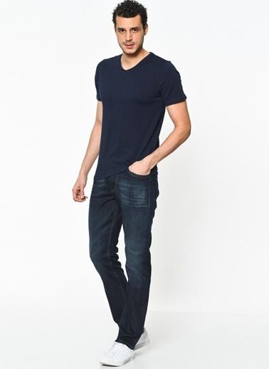 V Yakalı Tişört-Lee Cooper